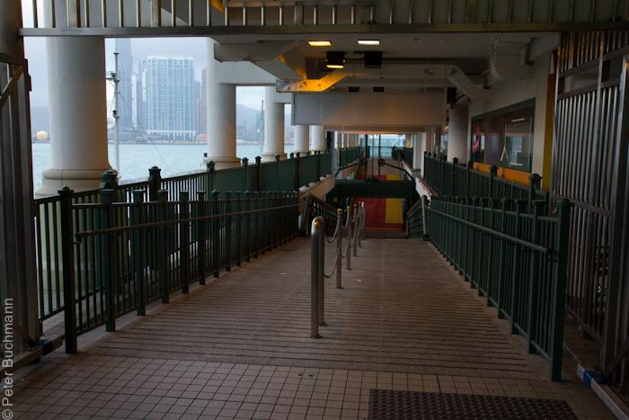 hongkong-typhoon-6000